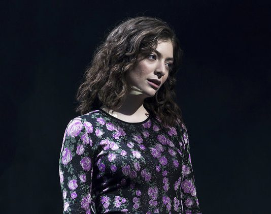 Lorde Accusa Kanye West di Plagio - Il Cantante Sfrutta una Sua Idea per la Performance Live.
