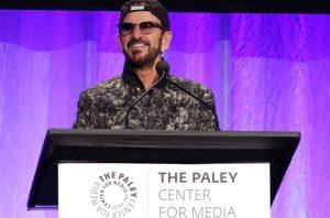 Ringo Starr Ospite d'Onore all'UNICEF Snowflake Ball - Attacca l'America di Trump.