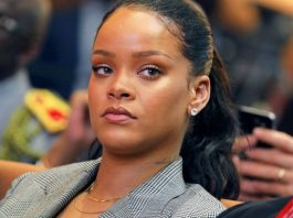 Rihanna 'Senza Pietà' - Fa Causa al Padre perché Usa il Suo Cognome.
