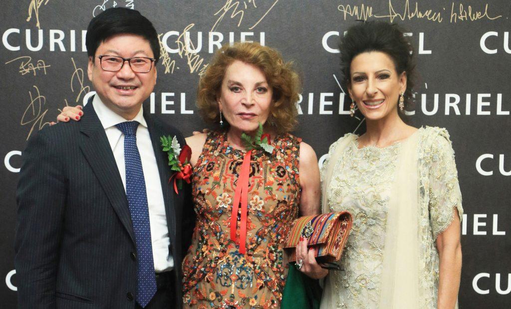 Raffaella Curier col magnate cinese Yizheng Zhao e il soprano Lucia Aliberti