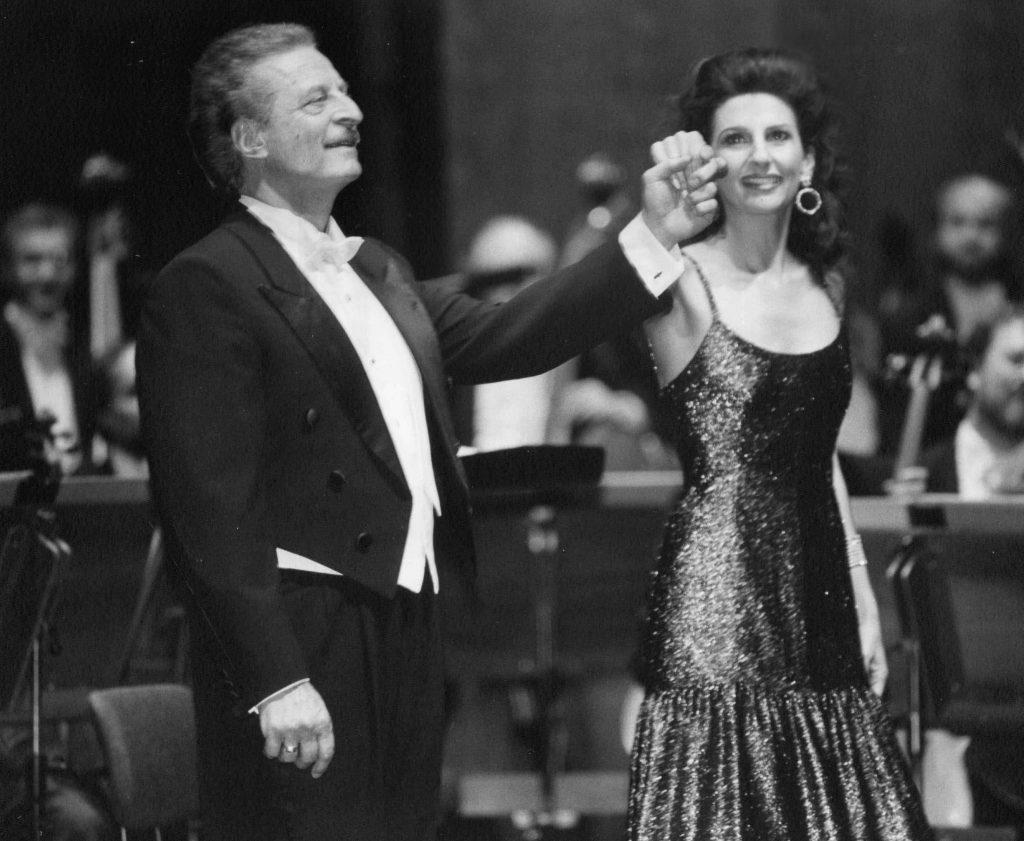 11 )LUCIA ALIBERTI con ALFREDO KRAUS durante un Concerto alla Deutsche Oper di Berlino